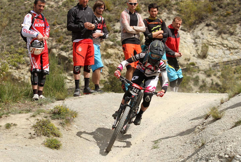 Première participation sur une épreuve de l'Urge 1001 Enduro Tour pour la Néo-Zélandaise Rae Morrison, et première victoire, devant la locale de l'épreuve Julie Duvert.