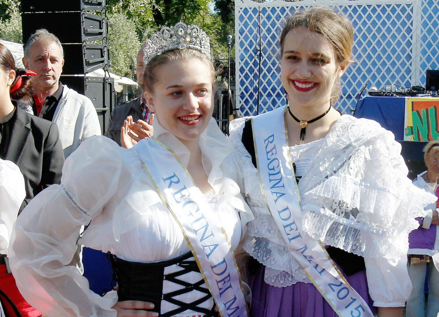 Eléa, à gauche, succède à Manon. Son joli sourire va accompagner la culture niçoise durant une année.