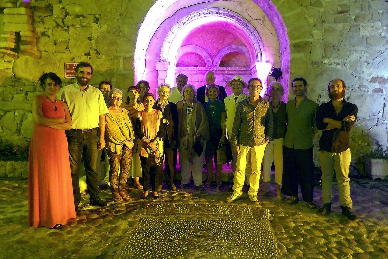 Aux côtés d'Enza Pagliara et du Monique Giraud-Lazzari, la délégation des « Amis du printemps des arts de Monte-Carlo ».