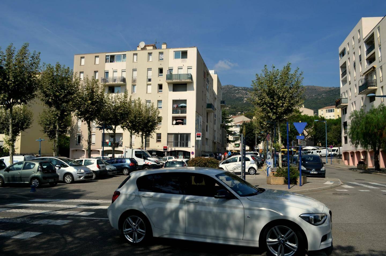 Environ 1.000 logements sociaux sont construits dans les années 70 à Carros ville.