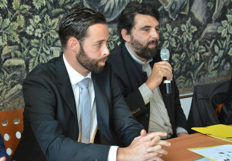 Nicolas Doyen (à gauche), cofondateur et président de l'association et Philippe Delorme, président d'honneur ont expliqué leur démarche lors de la conférence de presse qui s'est tenue à Saint-Denis.