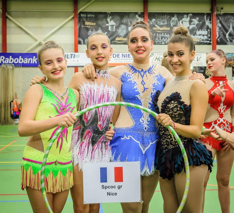 Encadrées par leur entraîneur Marie Bainchi et soutenues par quelques parents voyageurs, les 4 gymnastes ont gagné en assurance lors de cette compétition. (D.R.)
