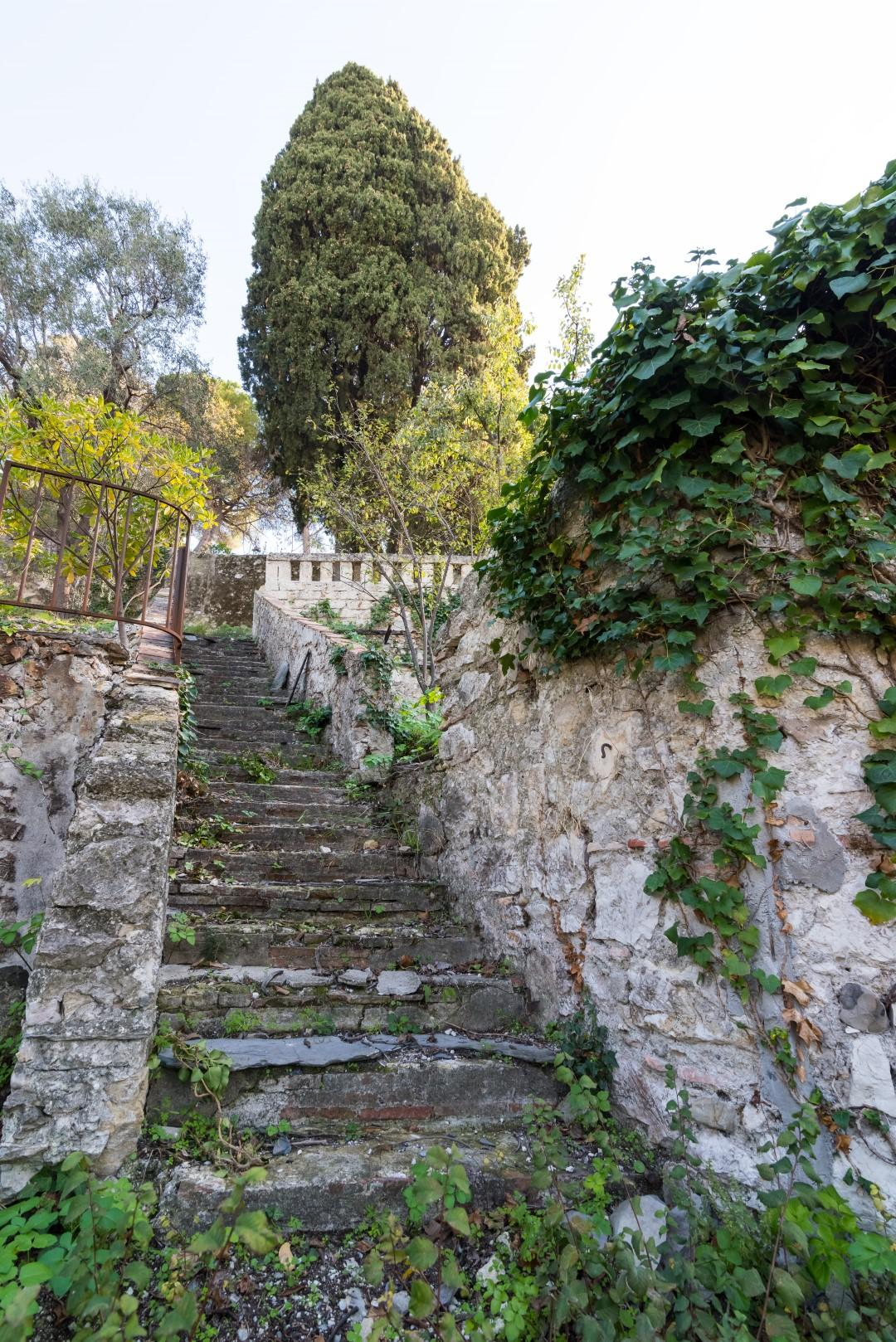 Le jardin en restanques du couvent de la Visitation est classé.