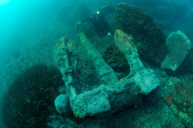 Elle pèse 5 tonnes pour 3,3 mètres de longueur.(Photo Dalila Bensammar, Anao,  l'aventure sous-marine - FMAS).