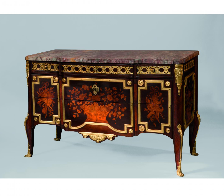 Commode attribuée à Roger Vandercruse La Croix - Époque Louis XV - vers 1770 -  H : 88 cm, L : 144 cm, P : 62,5 cm.  Estimation : 40.000-60.000 euros - Adjugée : 40.000 euros