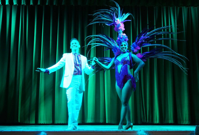 Ambiance brésilienne pour le spectacle de danse.
