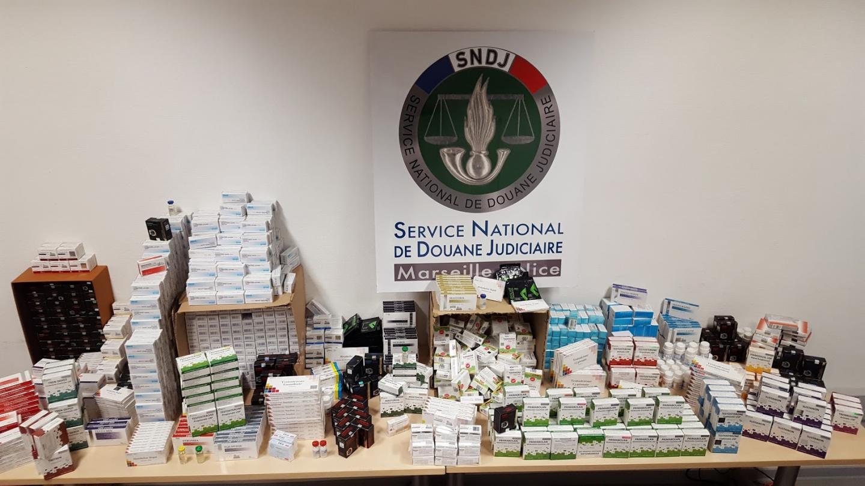En juillet, la saisie de 416.000 comprimés et fioles de médicaments anabolisants constituait un record