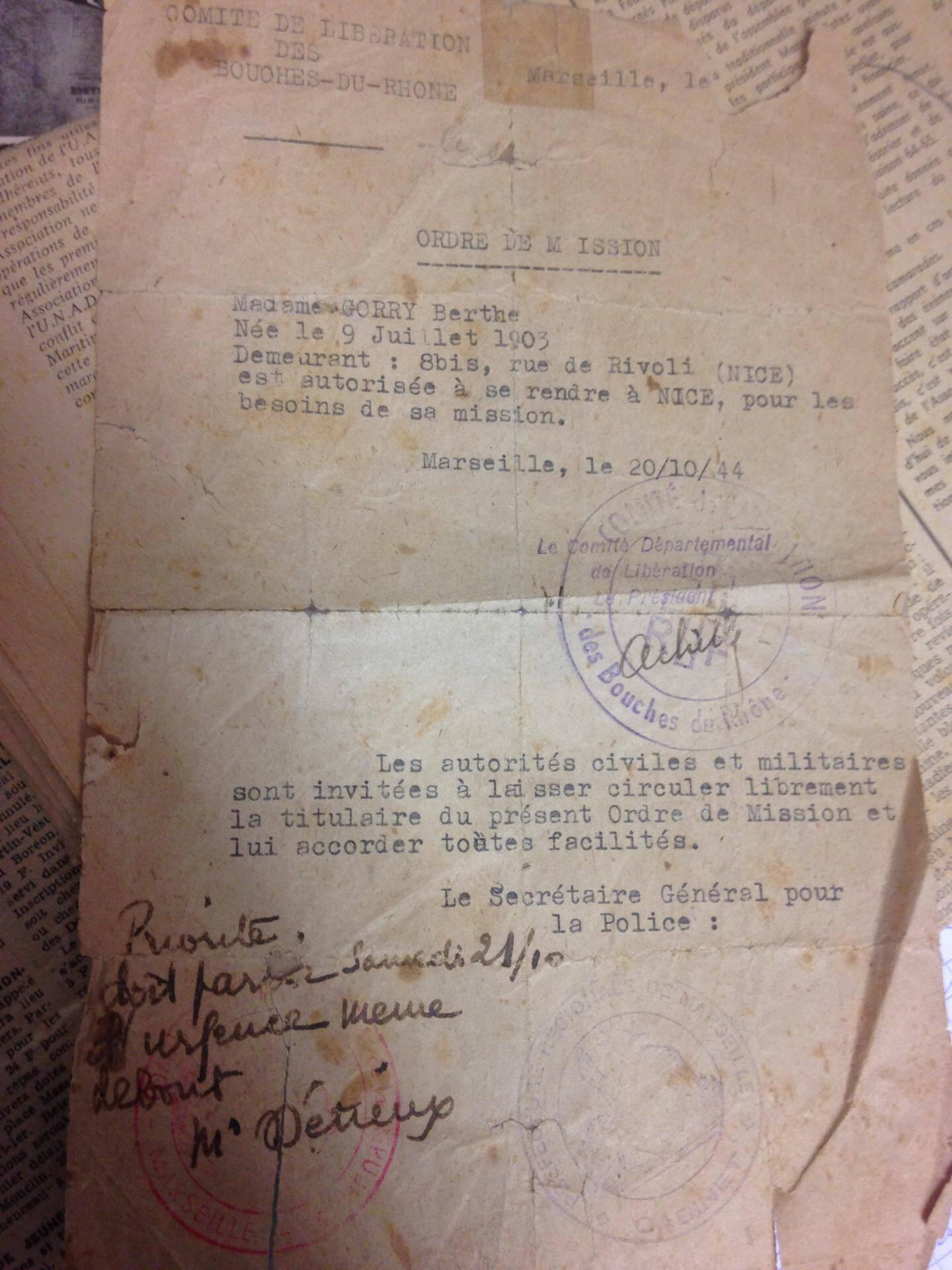 Un ordre de mission de la mère de Françoise Gorry-Deswarte, résistante.