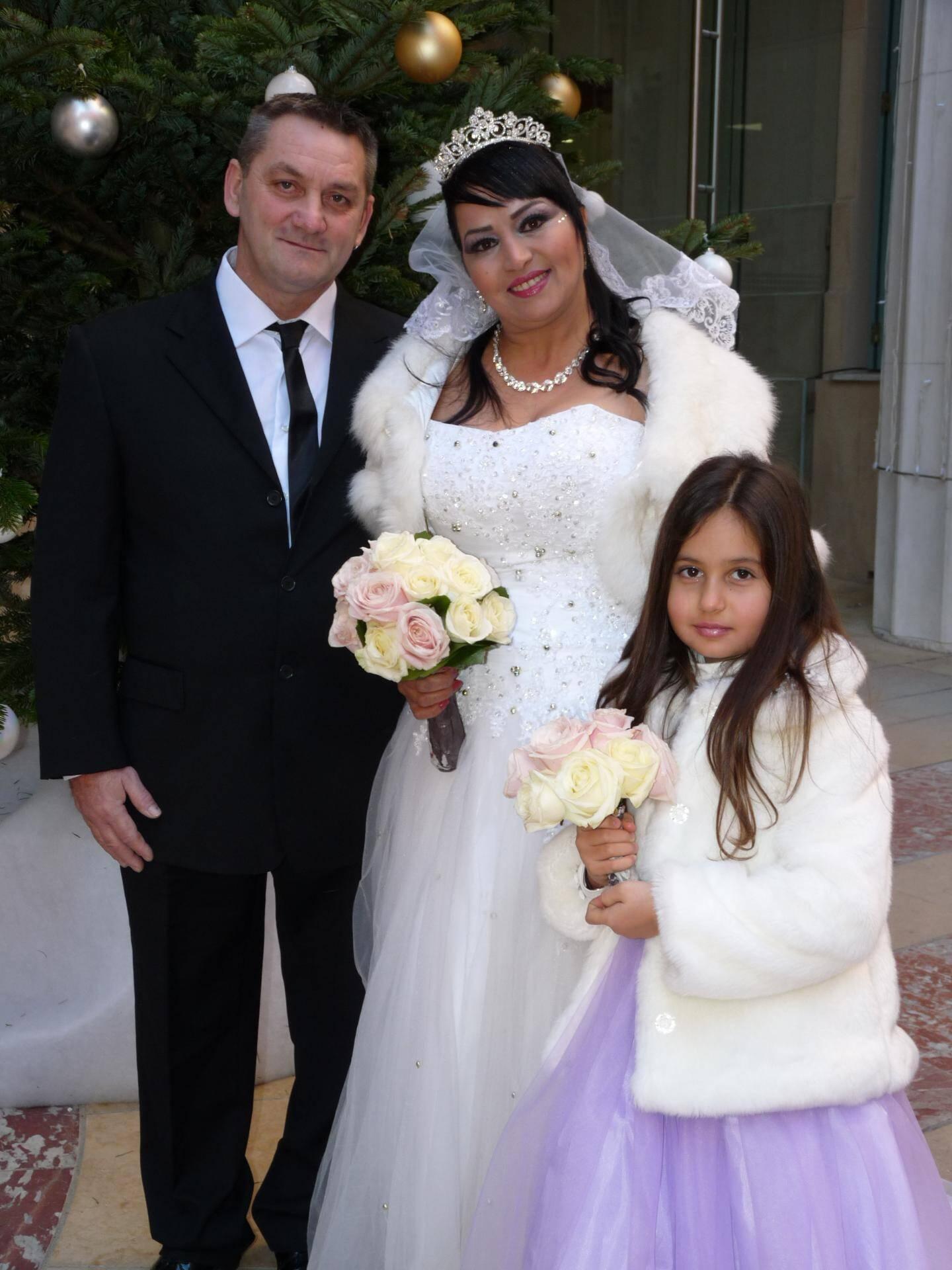 Jean-Luc Bourquin, employé d'exploitation, et Hedia Yacoubi, sans profession, avec Maïwen, 8 ans.