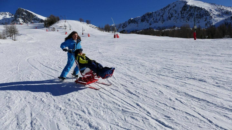 « Une belle sensation de vitesse  », dit Bénédicte qui a testé le tandem-ski.