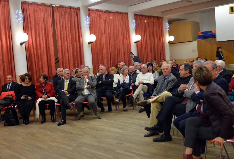 Dans la salle, de très nombreux élus de la communauté d'agglomération de Grasse et de quelques communes voisines, les habitants, les représentants des sapeurs-pompiers, de la gendarmerie, de la police rurale, des associations, etc.