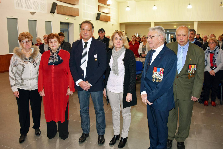 La médaille du combattant a été remise à Thierry Coquet en présence de sa famille, dont son père Pierre, chevalier de la Légion d'honneur.