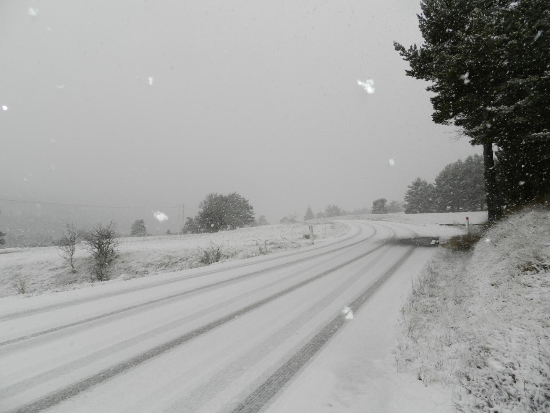 À Valderoure, au lieu-dit Le Clos de Giraud, il a neigé aussi.En voici la preuve par les images envoyées par Jeff Sbari, internaute!