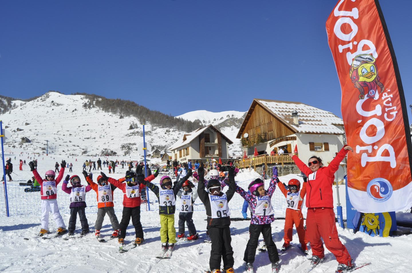 Chaque année, le club « Piou-Piou », à destination des 3-5 ans, initie les enfants à la glisse.