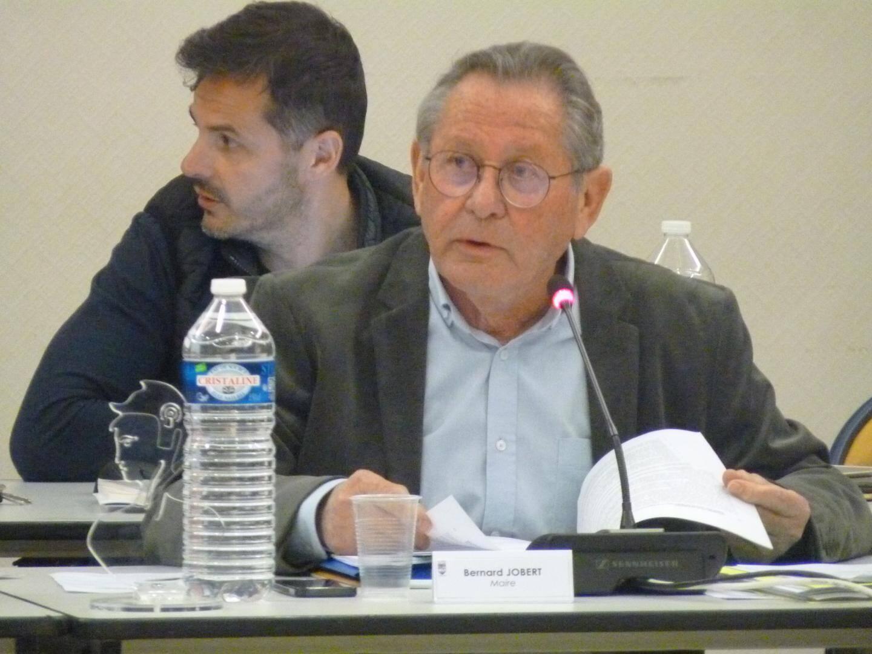 Photo du maire Bernard Jobert.