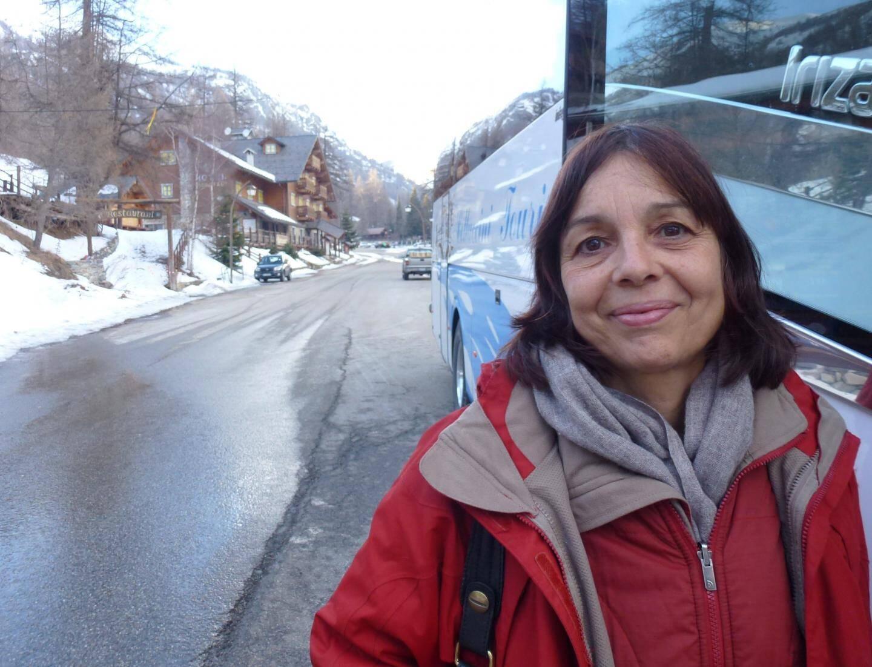 Isabelle Osché est, avec Patricia Rossi et Stéphanie Cornil, guide conférencière sur les trains des Neiges et des Merveilles.
