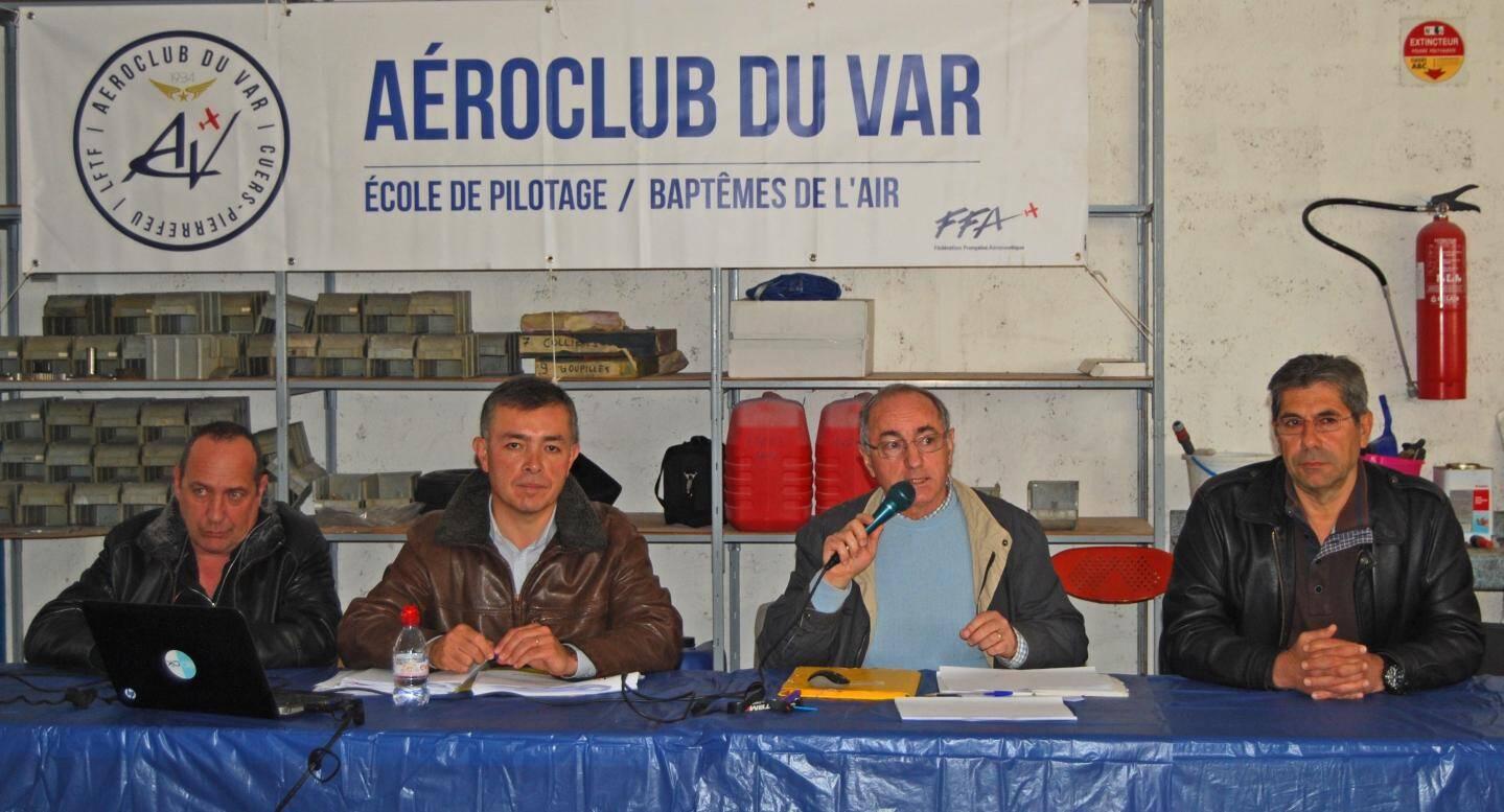 De g. à dr. : Jean-Louis Ledoux (trésorier), Jean-Marc Serrus (secrétaire général), René Melzani (président), Gérard Dattolo, vice-président.