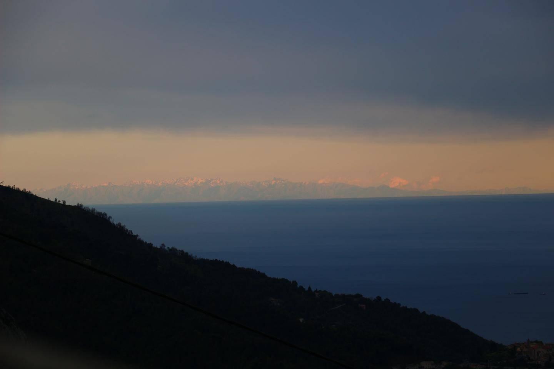 Une vue a 19 h 30 depuis Castillon.