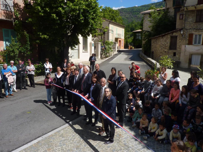 Roger Maria a remercié Christian Estrosi, en présence des élus et des enfants de l'école, venus inaugurer cette 1re phase hier.