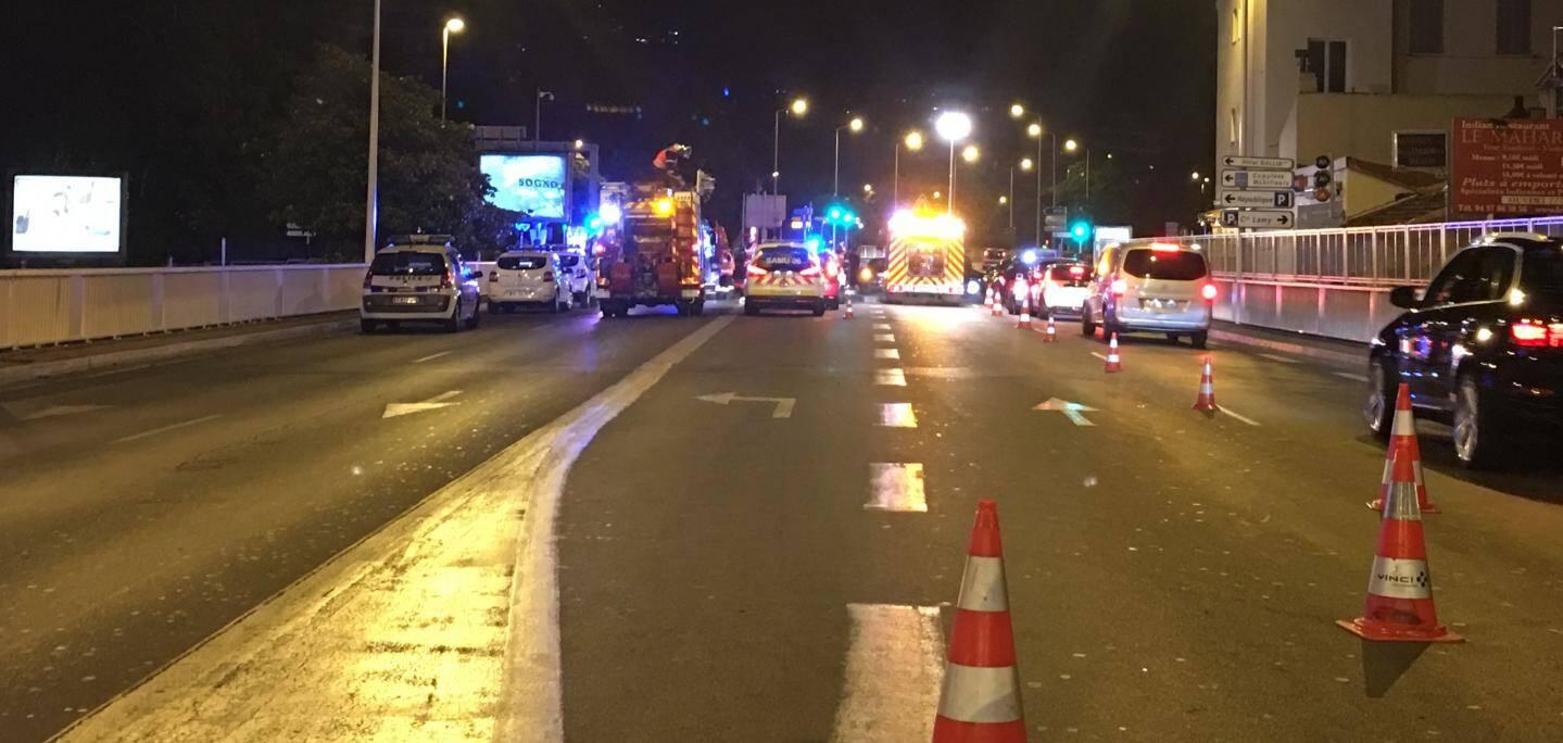 Deux voitures sont impliquées dans l'accident qui s'est déroulé ce jeudi dans la nuit.