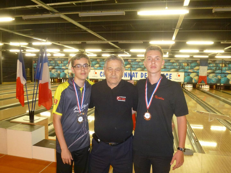 Les médaillés Antony sacco et Nicolas Bessi.