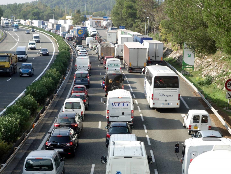Chaque jour, 1,8 million de déplacements en voiture sont enregistrés... avec 1,35 personnes par véhicule.