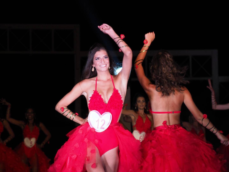 Julia Sidi Atman lors d'un des passages sur scène.