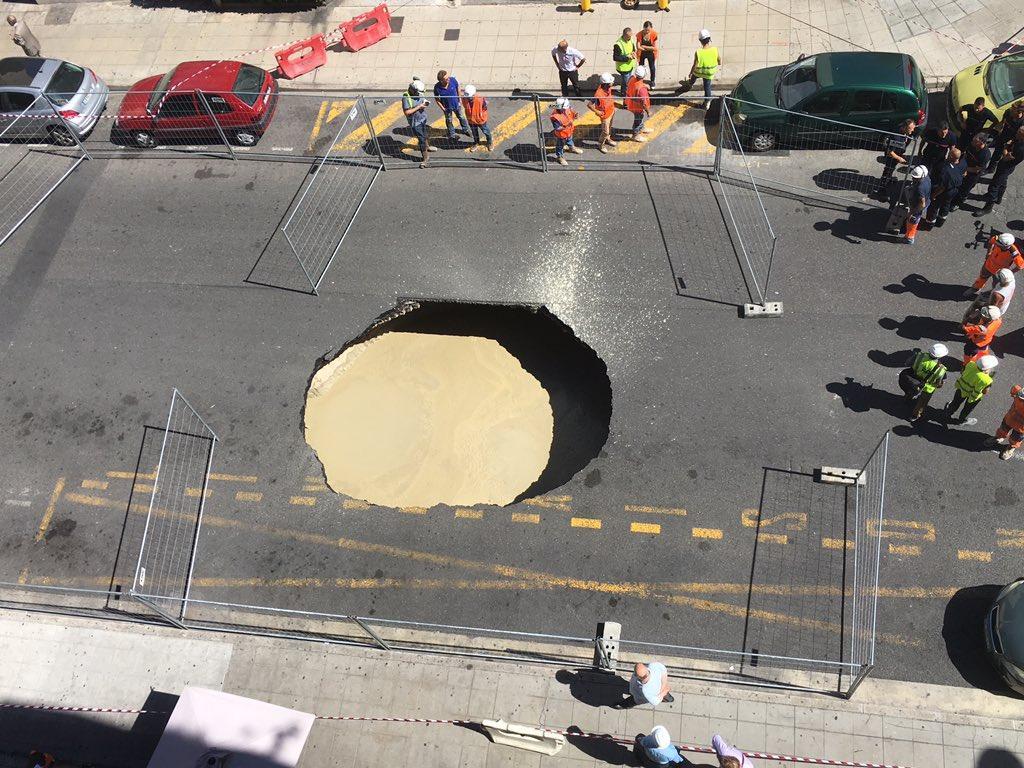 Le trou vu du 5e étage. Impressionnant.