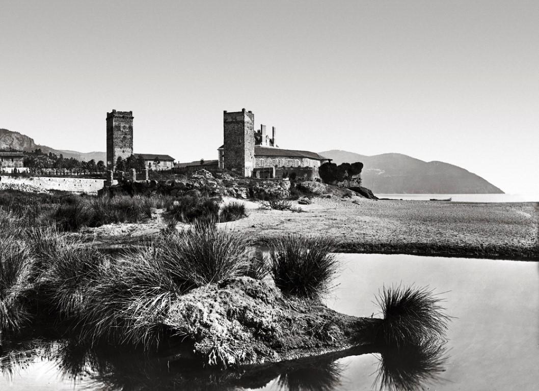 Le château de la Napoule en 1900.