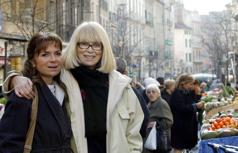 A Toulon, lors du tournage d'un reportage pour Envoyé Spécial sur les moyens de rester jeune et belle après 50 ans.