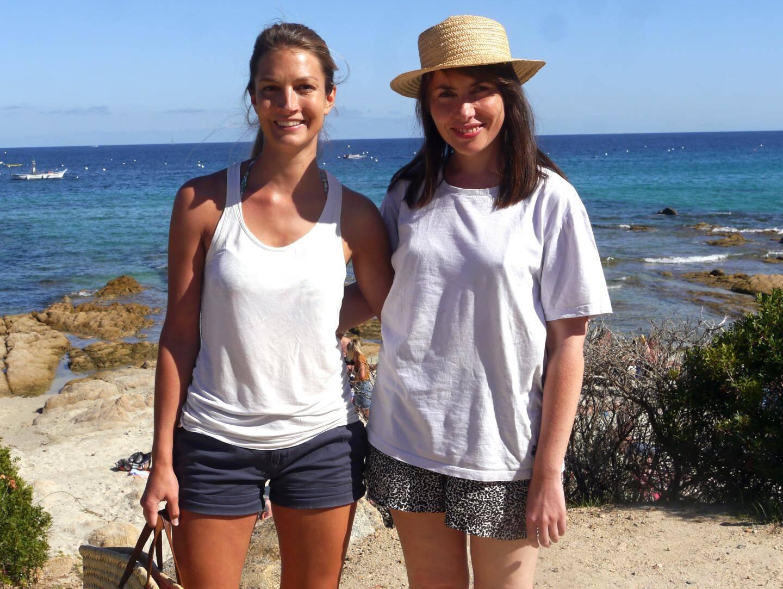 Emilie Franco (Mélanie) avec Emmanuelle Lanfray (Camille) qui joue sa jeune sœur qu'elle admire.
