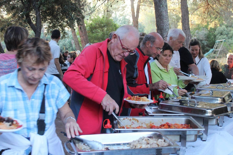 Au-delà de la mobilisation contre le projet d'usine d'enrobé, les participants à cette journée ont également partagé un très bon repas.