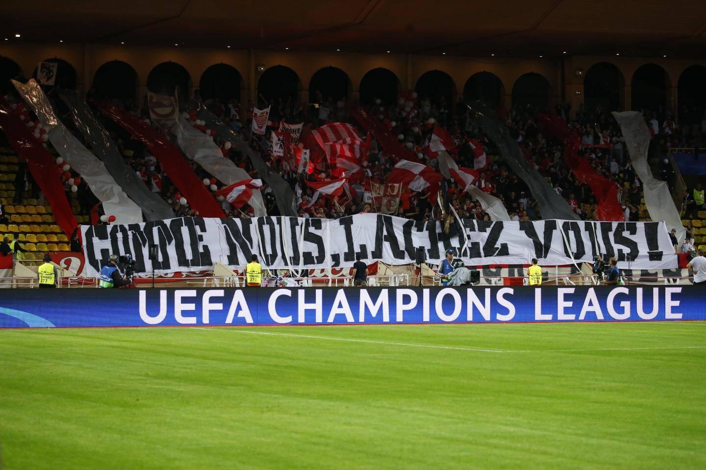 Les supporters de Monaco ont tout fait pour pousser leur équipe, notamment avec cette grande banderole les implorant de se lâcher.