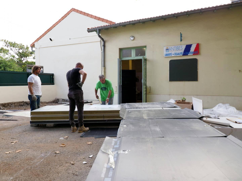 A l'école Paul-Arène, les travaux se poursuivaient hier pour accueillir les élèves de maternelle.