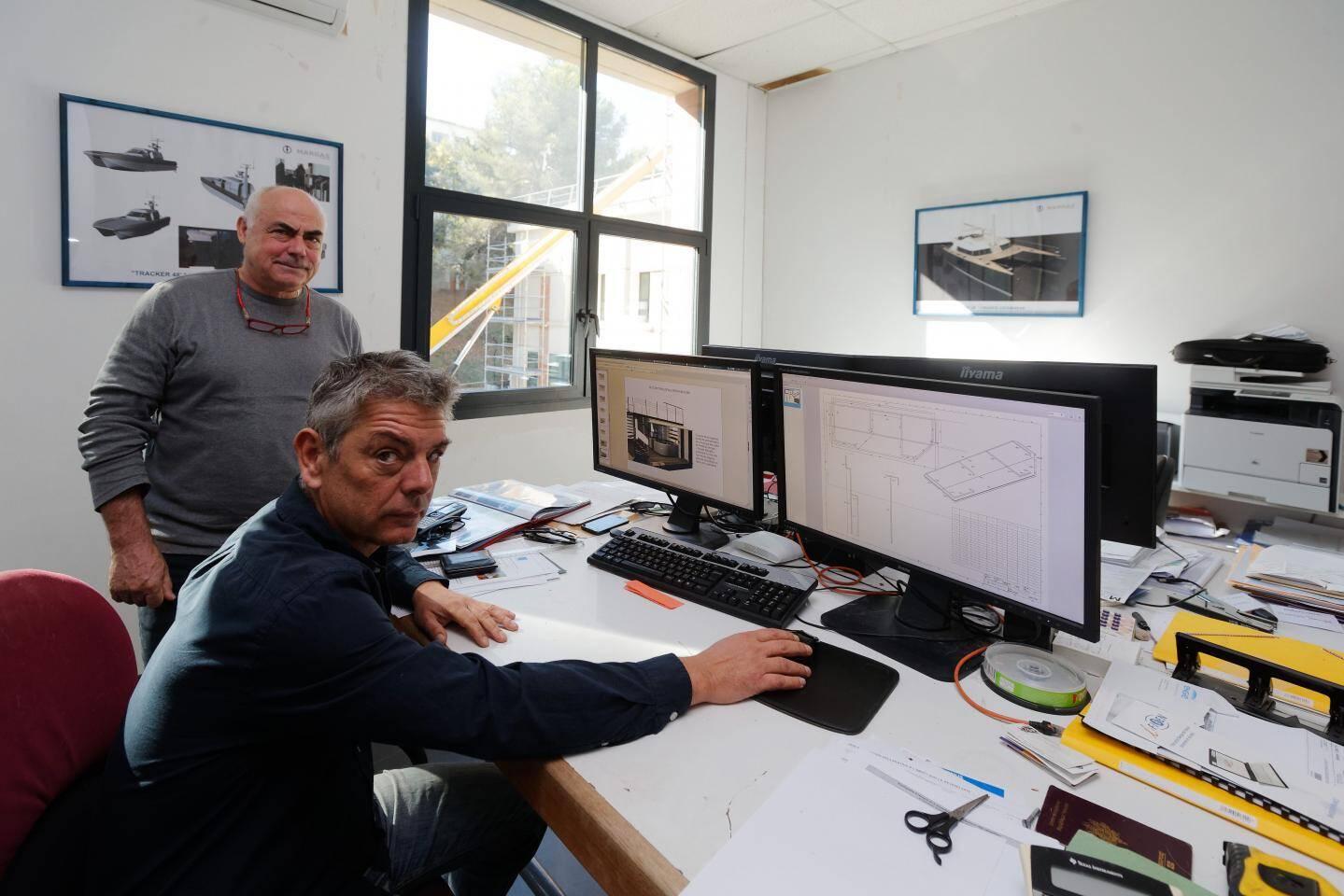 Dominique et Frédéric Margas dans leur bureau d'études.