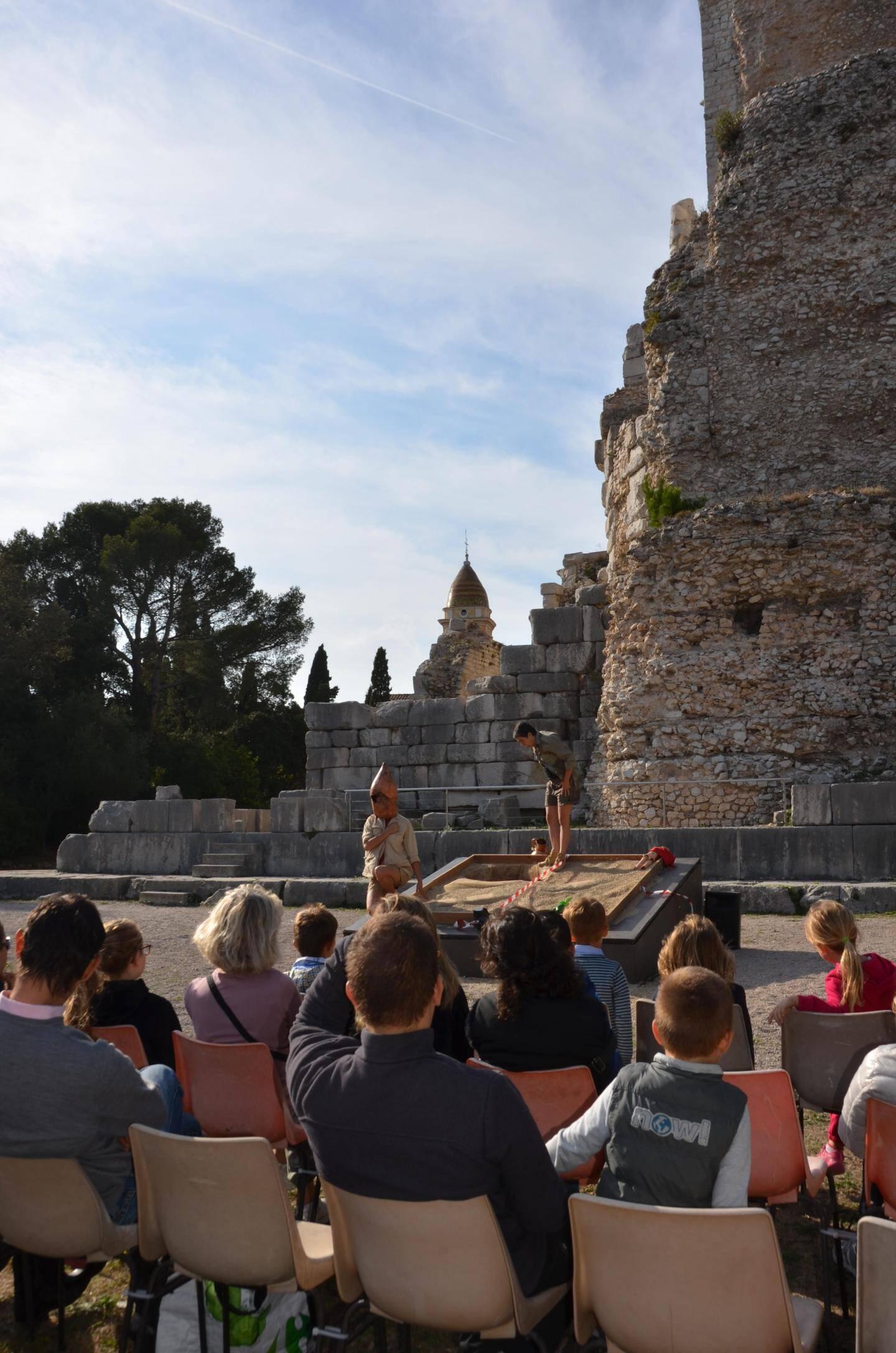 La Cie Qui-Bout relance les fouilles au pied du trophée d'Auguste !