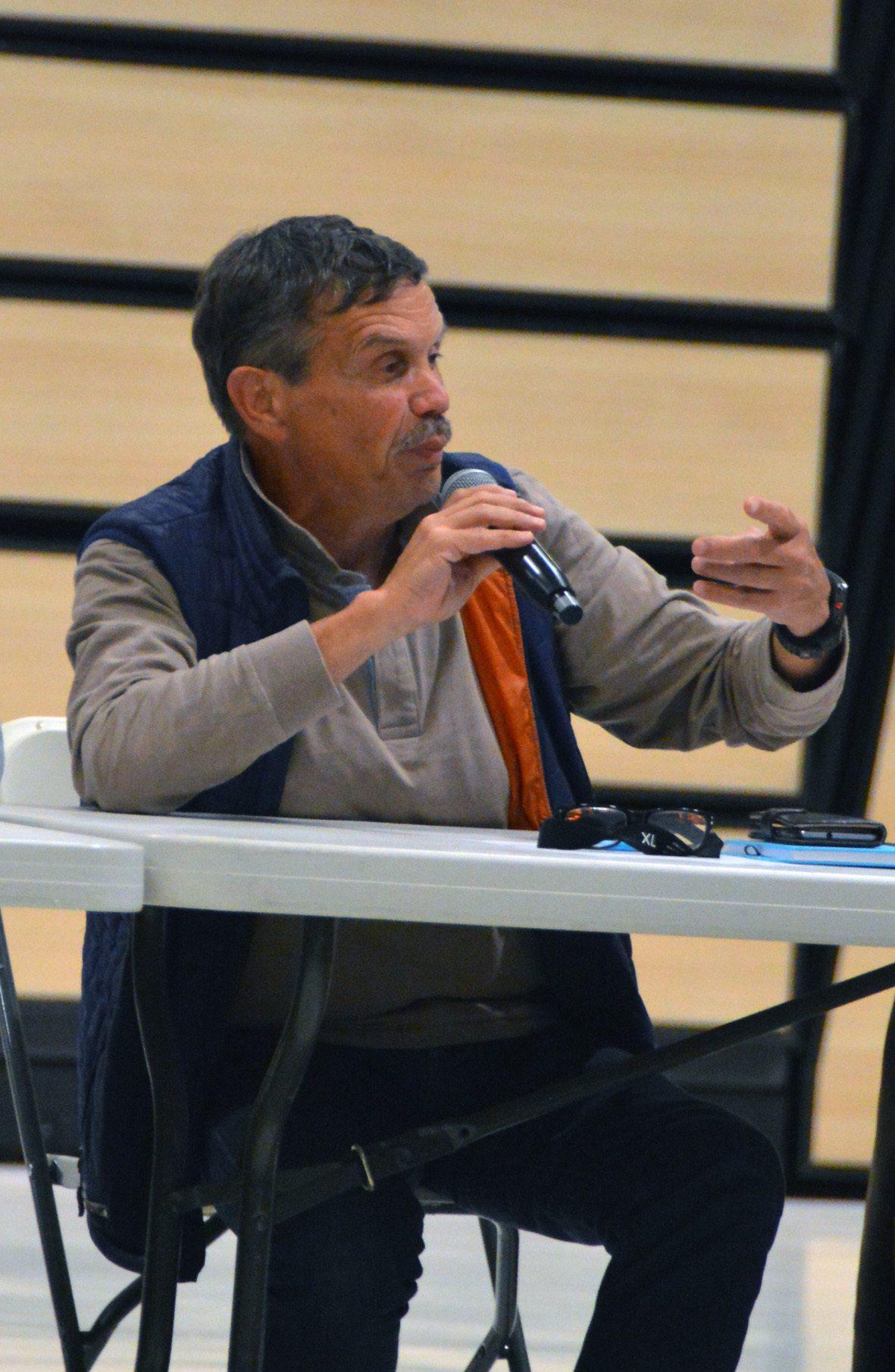 Michel Tozan, maire de Bagnols-en-Forêt, voisin varois, est convaincu du bien-fondé de la démarche.