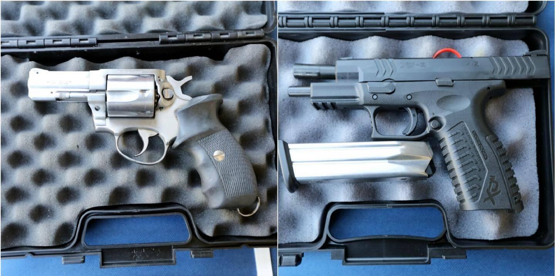 L'ancienne arme (gauche), le revolver MR 88 (français). 1180 grammes chargés. Capacité 6 coups. La nouvelle (droite), le pistolet semi-automatique XDM croate,  calibre 9 mm. 960 grammes avec sa cartouche de 20 coups.