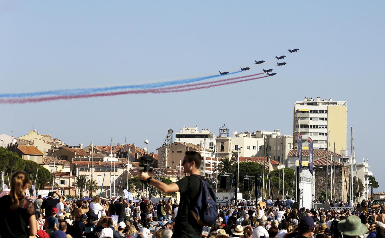 La foule des grands jours était en premières loges pour admirer les exploits de la Patrouille de France.