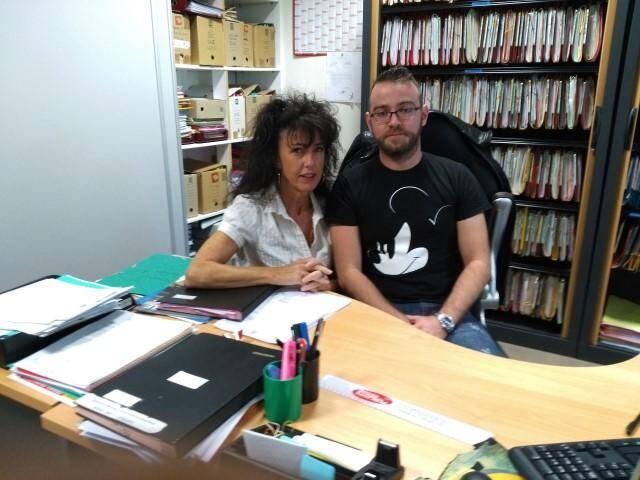 Marylène Guigue, du service « affaires générales et état civil » et Florian Coasne, chargé du recrutement.