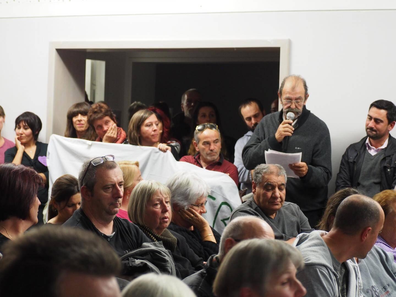 De nombreux Mazauguais de tous opinions avaient fait le déplacement dans une salle des fêtes archicomble pour s'informer et débattre du projet.