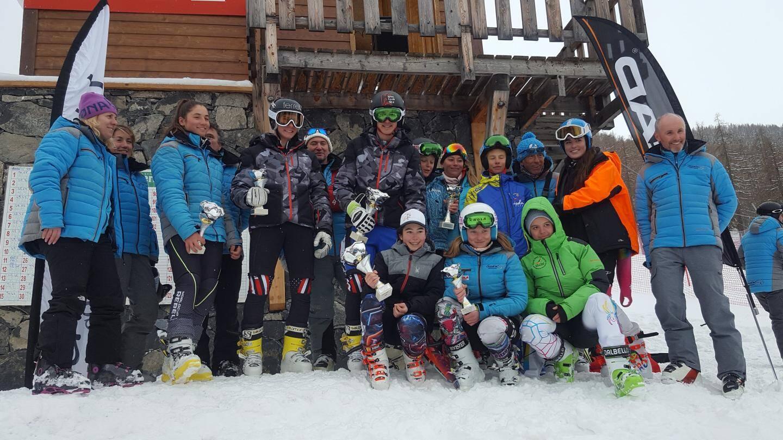 Les lauréats du slalom géant U16 à Auron.