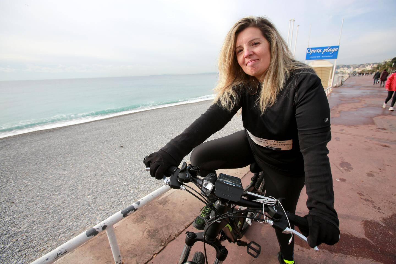 """Sandrine, 45 ans: """"je travaille, je fais du sport, je sors avec mes amis."""""""