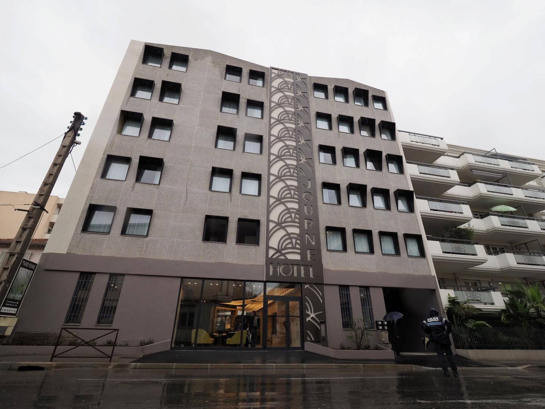 La façade de l'hôtel Journel, avenue François-Bérenger.