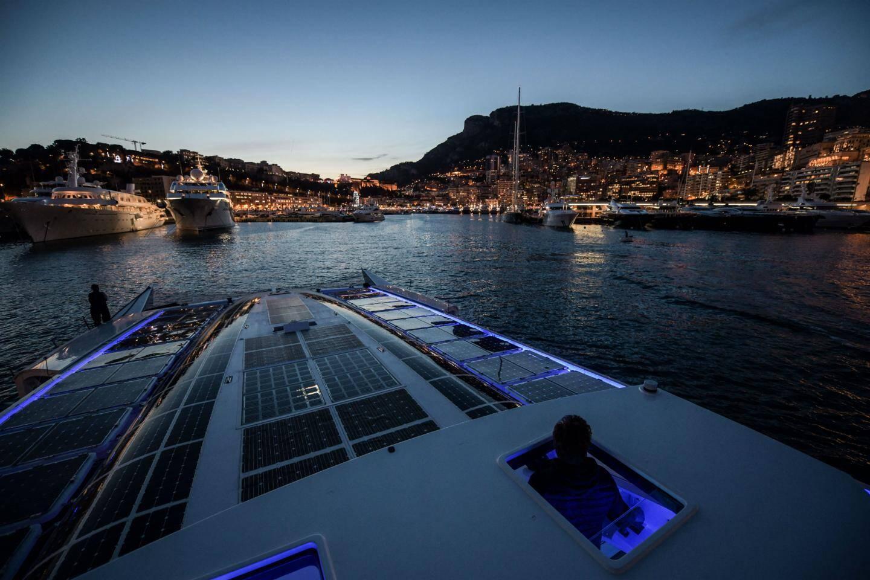 Le bateau écolo Energy Observer, présenté en décembre à Monaco, a embarqué un photographe à son bord. Ses clichés seront présentés au Musée océanographique