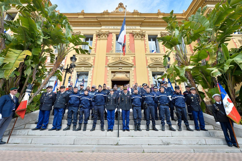 A Menton, la Marseillaise est venue clore l'hommage.