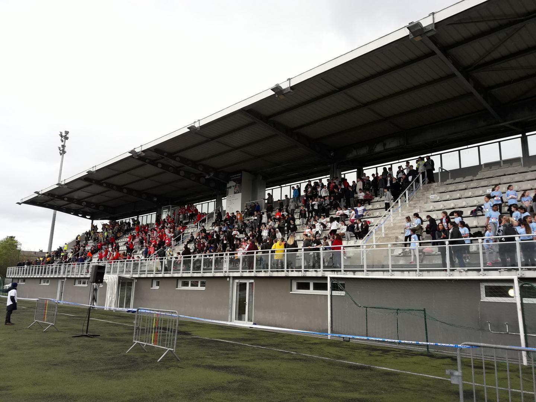 Les cinq collèges grassois sont réunis pour une Olympiade, il s'agit de la première collégiade de Grasse.