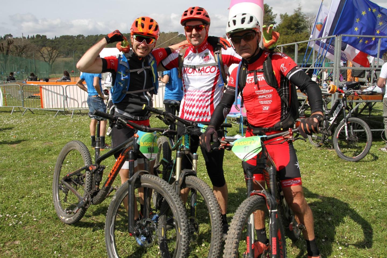 Hervé (à droite), Anthony (au centre) et Pascal (à gauche).