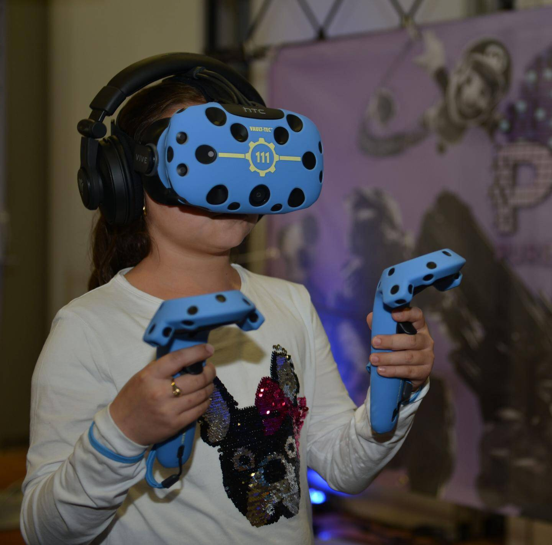 L'association « Pure Game Media », à la pointe de la technologie, tenait un stand autour de la réalité virtuelle.