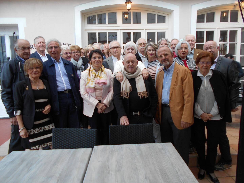 Les membres du Rotary Val d'Argens et leurs conjoints.